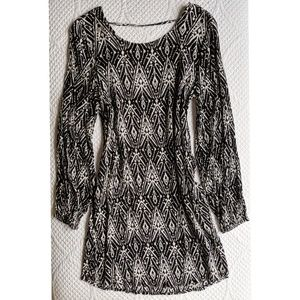 Billabong Black and White Long sleeve Mini Dress